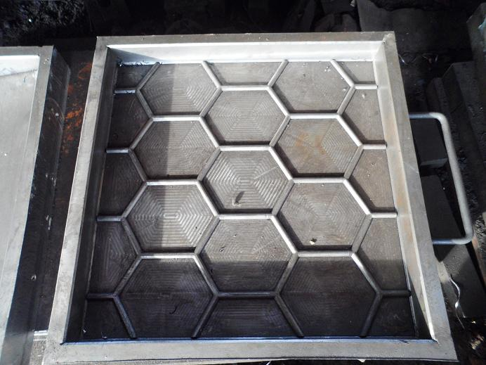 Rubber Tiles Mould 002