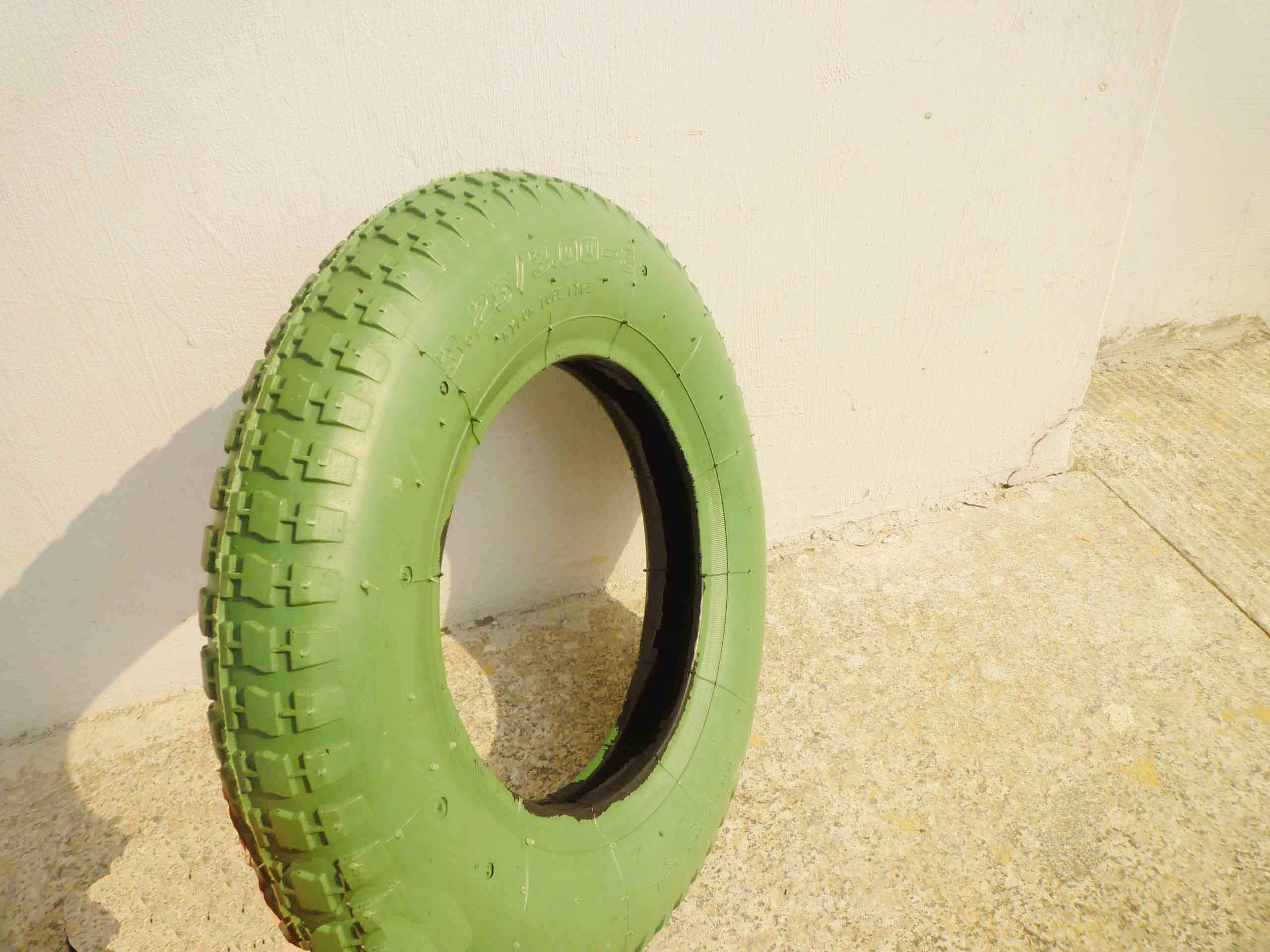 Green Pnuematic Rubber Wheel
