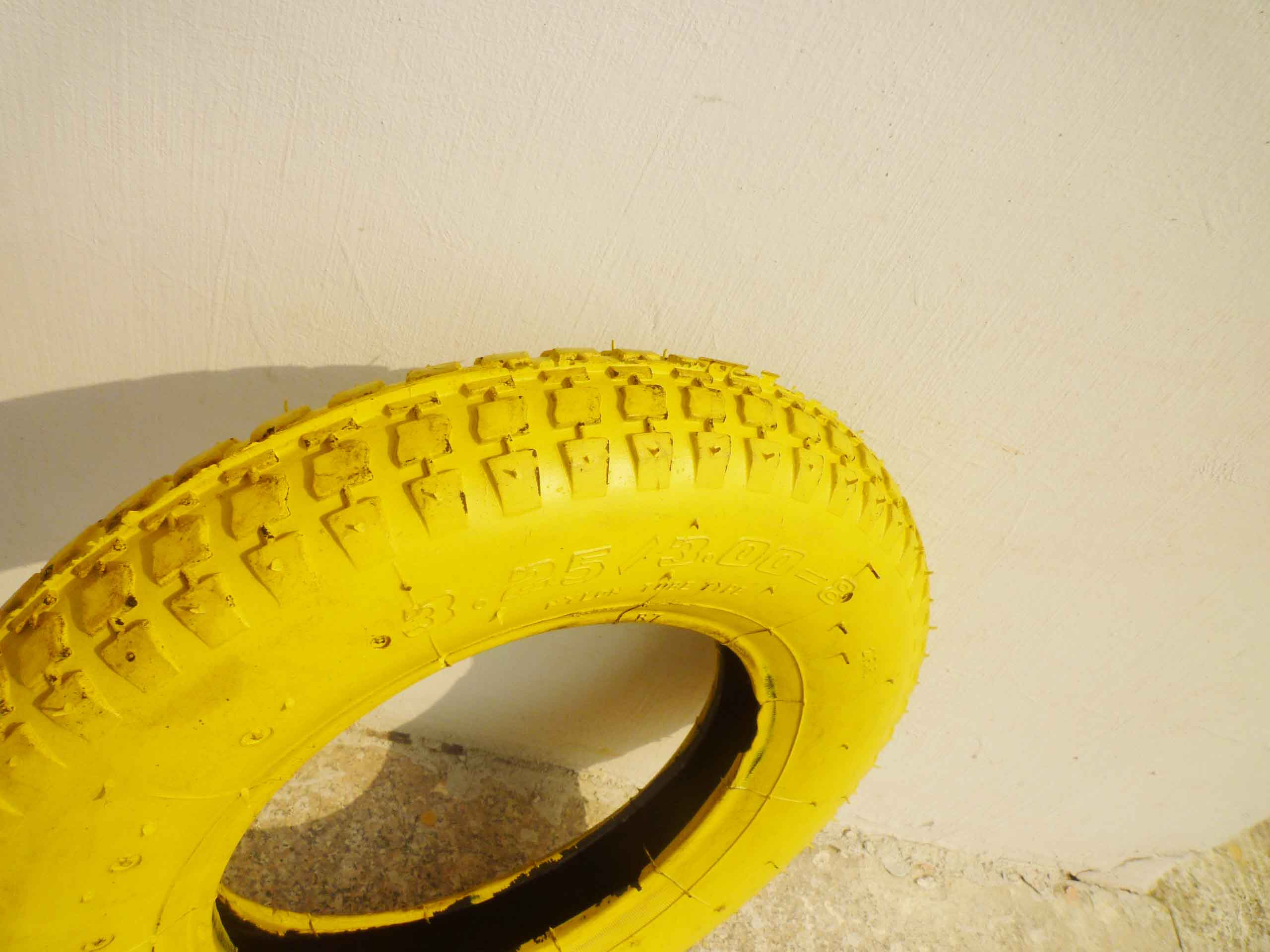 Yellow Environmental Pneumatic Rubber Wheel